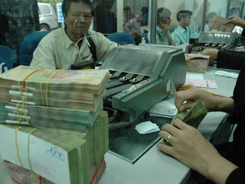 Lãi suất tiền gửi ngân hàng tăng: Nên gửi tiền ở kỳ hạn nào? - Ảnh 2