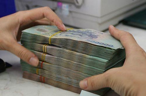 Lãi suất tiền gửi ngân hàng tăng: Nên gửi tiền ở kỳ hạn nào? - Ảnh 1