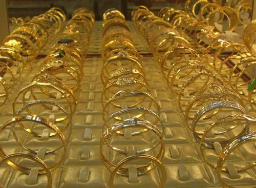 Giá vàng hôm nay 31/3: Giá vàng SJC giảm 180.000 đồng/lượng - Ảnh 1