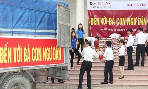 Agribank hỗ trợ ngư dân miền Trung chịu thiệt hại do thủy, hải sản chết - Ảnh 1