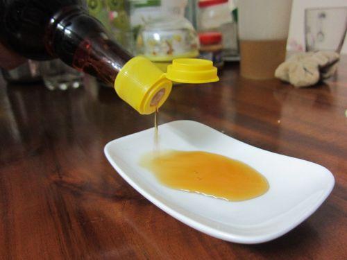 """""""Soi"""" chất lượng các nhãn nước mắm nổi tiếng ở Việt Nam - Ảnh 1"""