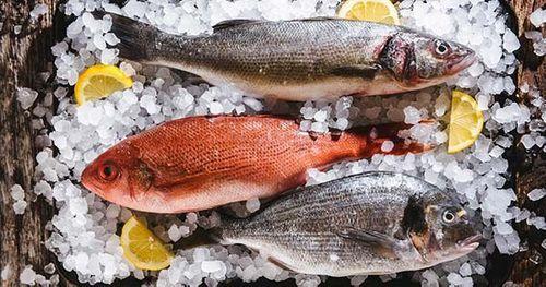Cách chọn mua cá tươi ngon ngoài chợ, nhận diện cá ướp urê - Ảnh 1