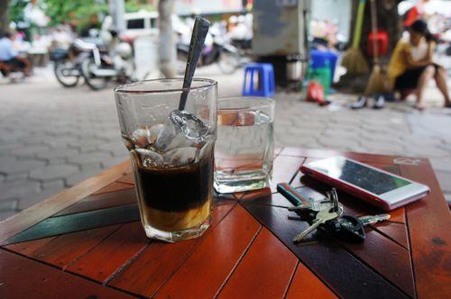 """Đáng sợ: Hơn 30% cà phê có caffeine """"không đáng kể"""" - Ảnh 1"""