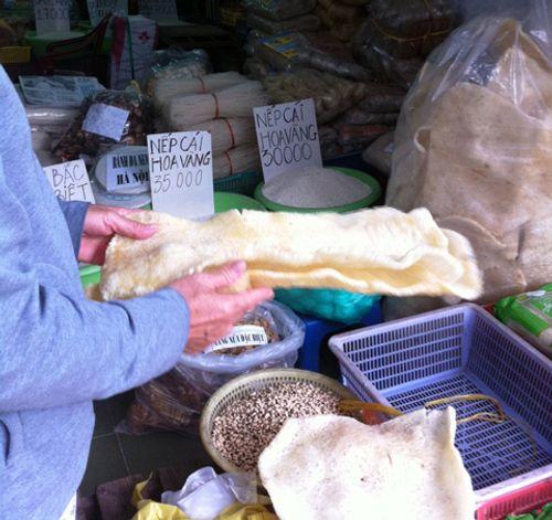 Nem, bóng bì bán ngoài chợ: Cẩn thận họa từ miệng - Ảnh 2
