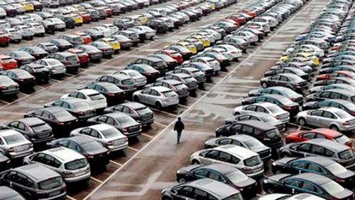 Hàng loạt ô tô nhập khẩu theo dạng biếu, tặng: Bất thường - Ảnh 1