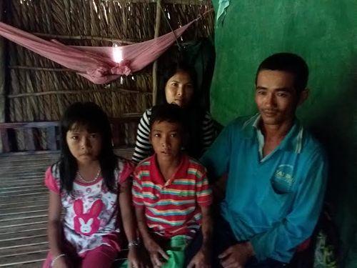"""Chuyện """"một túp lều tranh hai trái tim vàng"""" của đôi vợ chồng Việt - Campuchia - Ảnh 2"""