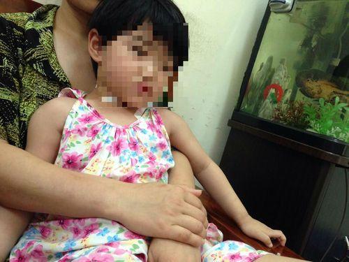 """Vụ bố cứa cổ con gái 4 tuổi: """"Con xin phép bố mẹ, cho con giết cái Tr"""" - Ảnh 3"""