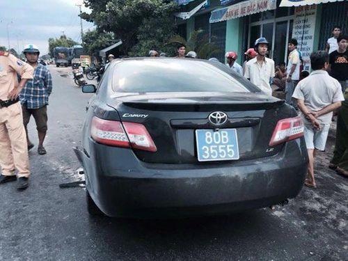 Gây tai nạn, tài xế xe biển xanh bỏ trốn khỏi hiện trường - Ảnh 1