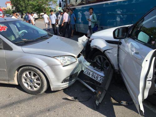 Tin tai nạn giao thông mới nhất ngày 17/10 - Ảnh 1