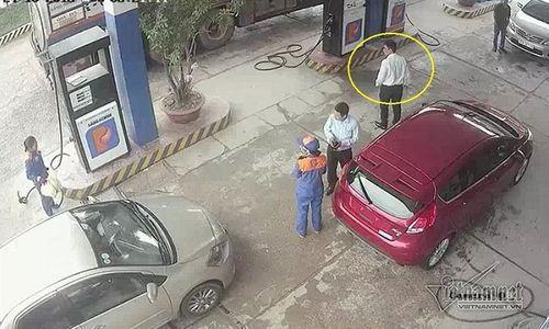 Nam cán bộ ngân hàng đánh rách đầu nữ nhân viên bán xăng - Ảnh 3