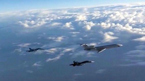 Hai máy bay của Mỹ - Nga suýt đâm nhau ở bầu trời phía đông Syria - Ảnh 1