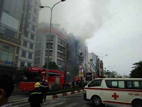 """Vụ cháy quán karaoke 13 người tử nạn: Cần chấm dứt ngay lối thiết kế """"tự sát"""" - Ảnh 1"""