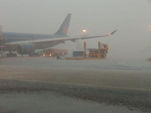 Cục Hàng không tạm ngừng đường băng sân bay Tân Sơn Nhất - Ảnh 1