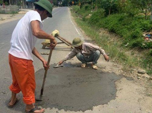 Tổng cục ĐBVN yêu cầu xử lý vi phạm vụ dân tự ý sửa đường - Ảnh 1