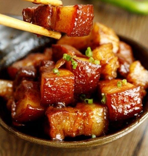 Cách nấu thịt kho tàu siêu ngon cho tiết thu se lạnh - Ảnh 1