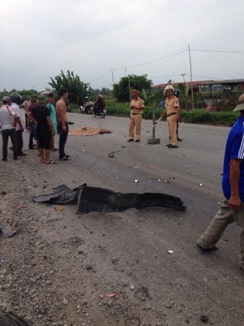 Trên đường đi học về, 3 nữ sinh bị ô tô đâm tử vong - Ảnh 1
