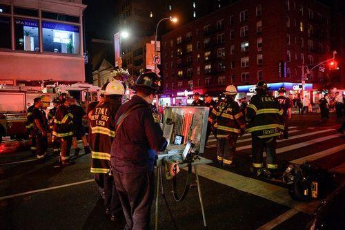 Hiện trường vụ nổ lớn ở New York khiến 29 người bị thương - Ảnh 14
