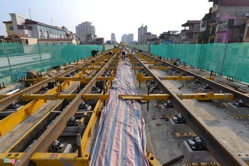 Lắp đặt ray tàu điện công trình đường sắt trên cao Cát Linh - Hà Đông - Ảnh 7
