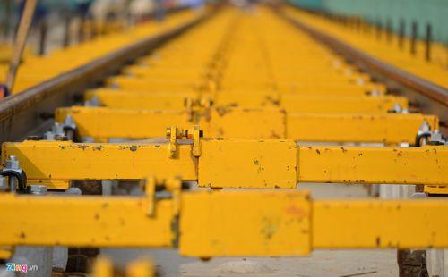 Lắp đặt ray tàu điện công trình đường sắt trên cao Cát Linh - Hà Đông - Ảnh 8