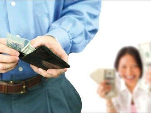Hốt hoảng ông chồng có mấy tỷ gửi ngân hàng vẫn kì kèo từng nghìn mua rau - Ảnh 3