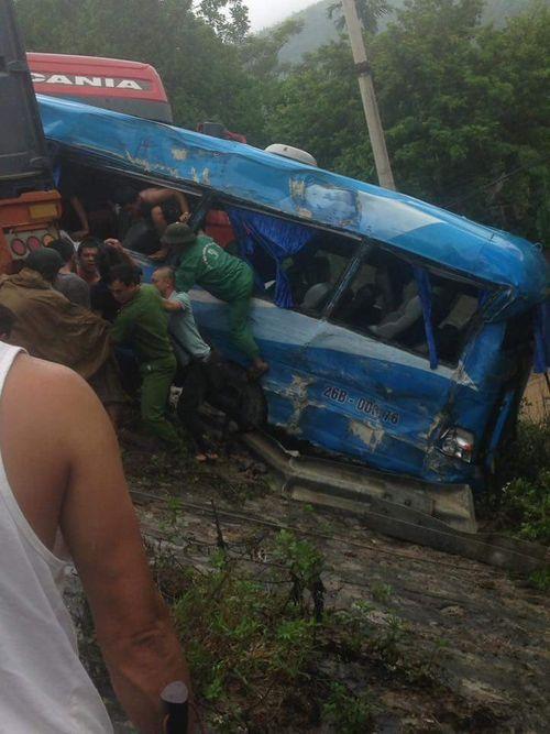 4 xe ô tô tai nạn liên hoàn, 6 người thương vong - Ảnh 3