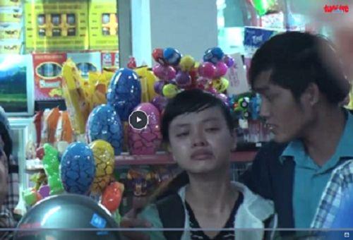 Người dân bật khóc giữa ga Sài Gòn vì lỡ chuyến tàu về quê - Ảnh 1