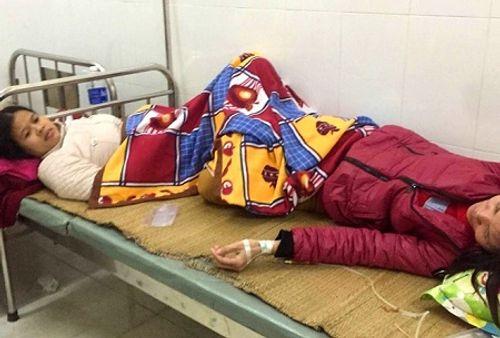 Thanh Hóa: Hàng chục công nhân nhập viện sau bữa ăn trưa - Ảnh 1