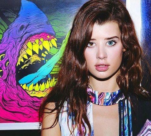 Cô nàng có hai màu mắt xinh như thiên thần gây sốt Instagram - Ảnh 2