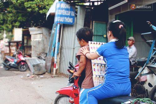 Chuyện tình đẹp như phim của cặp đôi tí hon bán vé số ở Sài Gòn - Ảnh 9