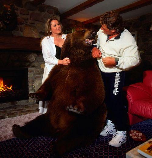 Chuyện cặp vợ chồng nhận nuôi chú gấu đen và coi như con ruột - Ảnh 4