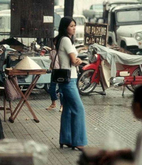 Trầm trồ xem quý ông sành điệu trên phố Sài Gòn xưa - Ảnh 4