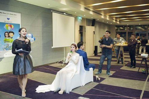 Cặp đôi Sài Thành nhảy múa, tặng trăm triệu cho khách dự đám cưới - Ảnh 2