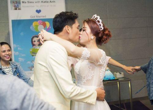 Cặp đôi Sài Thành nhảy múa, tặng trăm triệu cho khách dự đám cưới - Ảnh 6