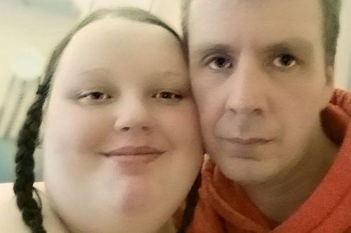 Cô gái béo nhất nước Anh tìm được nửa kia nhờ... giảm cân - Ảnh 1
