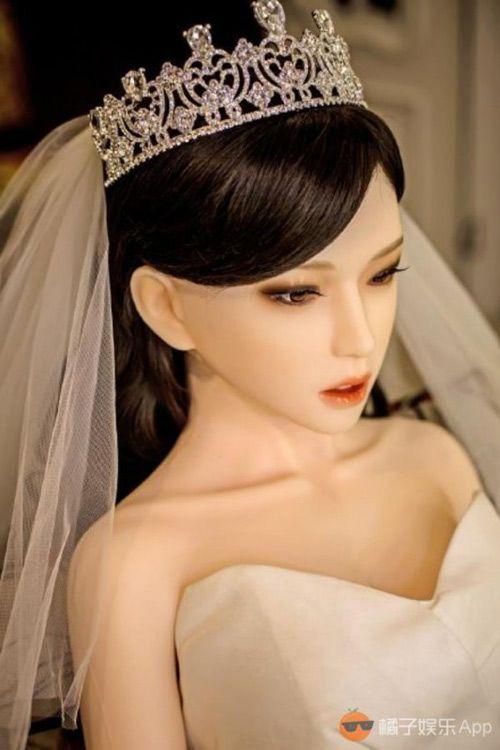 """Xôn xao ảnh cưới tình tứ của hot boy kết hôn với """"búp bê"""" - Ảnh 2"""