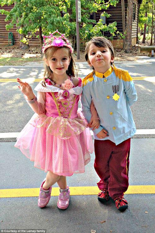 Hạnh phúc của bé gái 5 tuổi chuyển giới - Ảnh 7