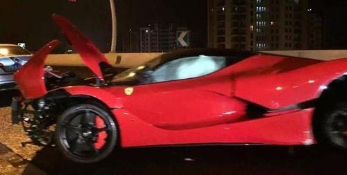 Đâm nát siêu xe Ferrari LaFerrari, thiếu gia vẫn thản nhiên - Ảnh 3