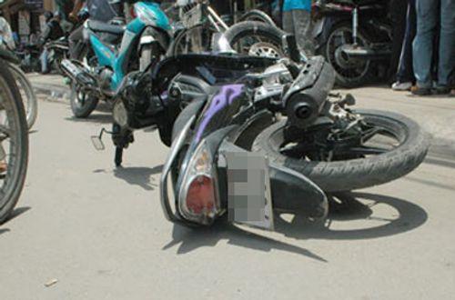 Cướp giật đạp ngã xe khiến nạn nhân chấn thương sọ não - Ảnh 1