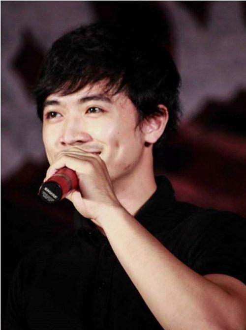 """Thầy giáo """"hot boy"""" Minh Quân lọt top 10 Vietnam Idol - Ảnh 6"""