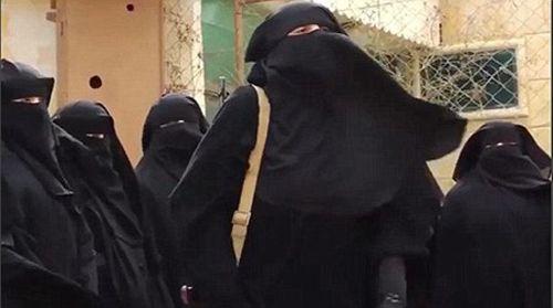 Phiến quân IS biến cô dâu thánh chiến thành bom di động - Ảnh 4