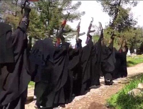 Phiến quân IS biến cô dâu thánh chiến thành bom di động - Ảnh 1