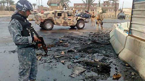 IS bị xe tăng chặn đứng ở ngoại ô Ramadi - Ảnh 2