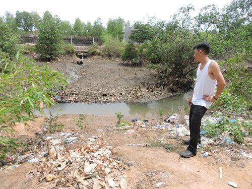 Tình cảnh thương tâm của 4 cháu bé chết trên rạch nước - Ảnh 1