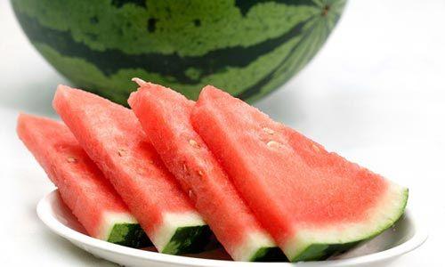 """Những điều """"tối kỵ"""" khi ăn dưa hấu - Ảnh 1"""