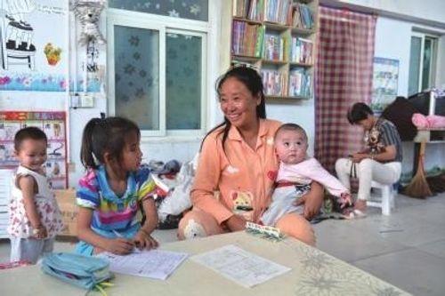 Chấp nhận từ triệu phú thành con nợ để nuôi 75 trẻ khuyết tật - Ảnh 1