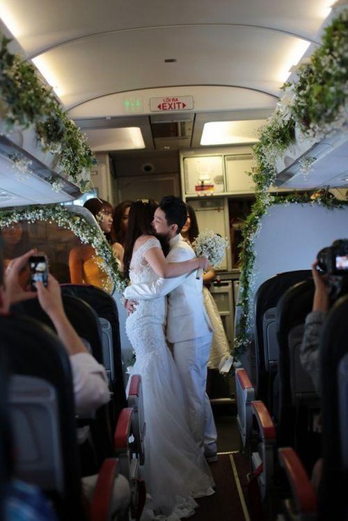 Ngắm ảnh cưới lãng mạn của các cặp đôi đồng tính - Ảnh 11