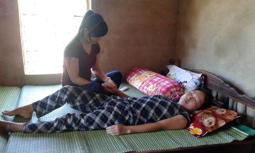 Cảm động chuyện cô bé 16 tuổi nhiều lần lấy máu cứu mẹ - Ảnh 2