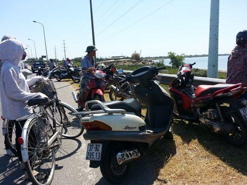 Phát hiện thi thể nam thanh niên phân hủy nổi trên sông Lam - Ảnh 1