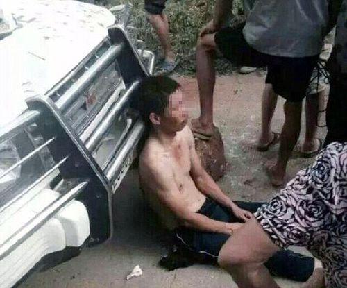 Trung Quốc: Trộm chó bị đánh đập, buộc xác chó vào cổ suốt 9 tiếng - Ảnh 2