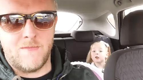 """Bất ngờ phản ứng của bé 4 tuổi khi bố nhắc về """"bạn trai"""" - Ảnh 2"""
